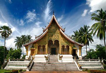 Wat Xieng Thong Temple in Luang Prabang van Erwin Blekkenhorst