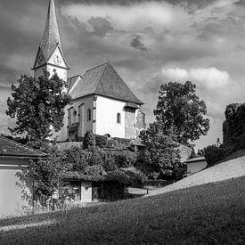Oostenrijks kerkje in zwart wit van Patrick Herzberg
