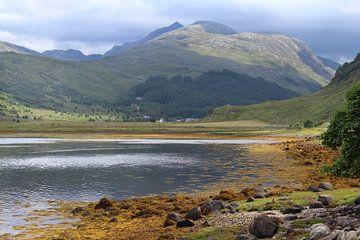 Loch Sunart richting Garbh Beinn berg van Imladris Images