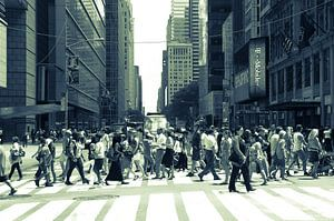 Straatbeeld in New York City, USA van Hans Wijnveen