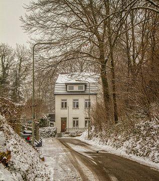 Rode Put Simpelveld in de sneeuw van John Kreukniet