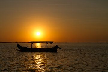 Zonsondergang op Bali van Ronald Bruijniks