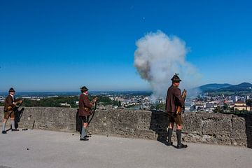Salzburger Festungsschützen tijdens feestdag van Koen Henderickx