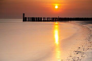 Zonsondergang aan de Zeeuwse Kust van Menno Schaefer