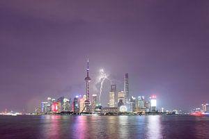Thunder above Shanghai, China van Rene Mens