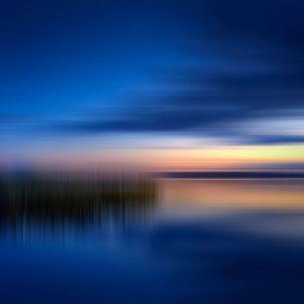 Sunset over Lake van Melanie Viola