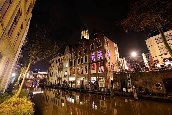 Oudegracht in Utrecht ter hoogte van Donkere Gaard, foto 2 van Donker Utrecht