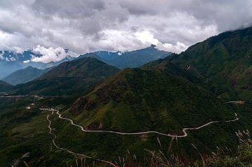 O Quy Ho Maountain Pass van Maarten Verhees
