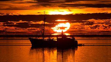 Zonsondergang bij de Waddenzee van Neno Plat