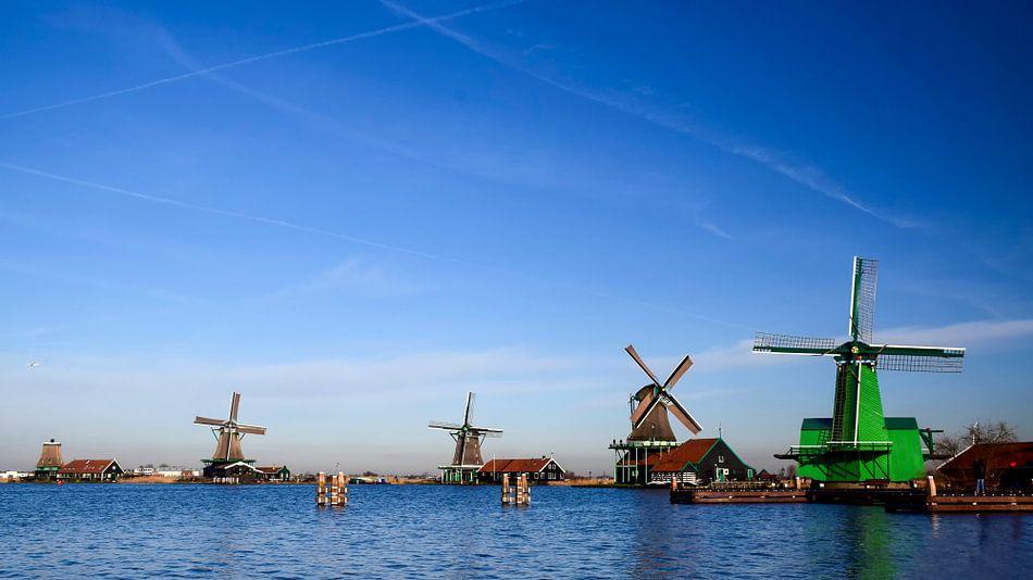 Nederlandse molens aan de Zaanse schans van Rietje Bulthuis