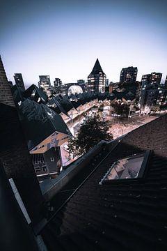 kubuswoningen vanaf dak nacht paars van vedar cvetanovic