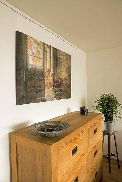 Kundenfoto: Lost Place - roter Sessel von Carina Buchspies, auf leinwand