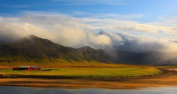 Bauernhof im Morgenlicht, Snæfellsnes, Island von Henk Meijer Photography