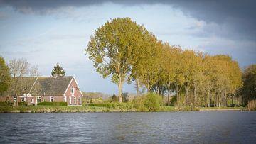 De avondzon op de Vecht bij Oud-Zuilen (Utrecht) van Michel Geluk