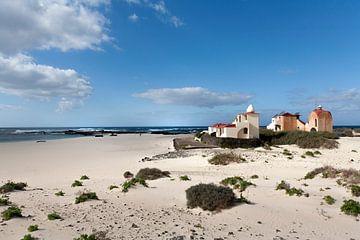 Strand von El Cotillo auf Fuerteventura von Peter de Kievith