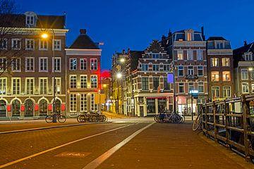 Paysage de la ville d'Amsterdam au coucher du soleil sur Nisangha Masselink