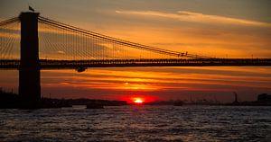 Brooklyn Bridge tijdens zonsondergang van