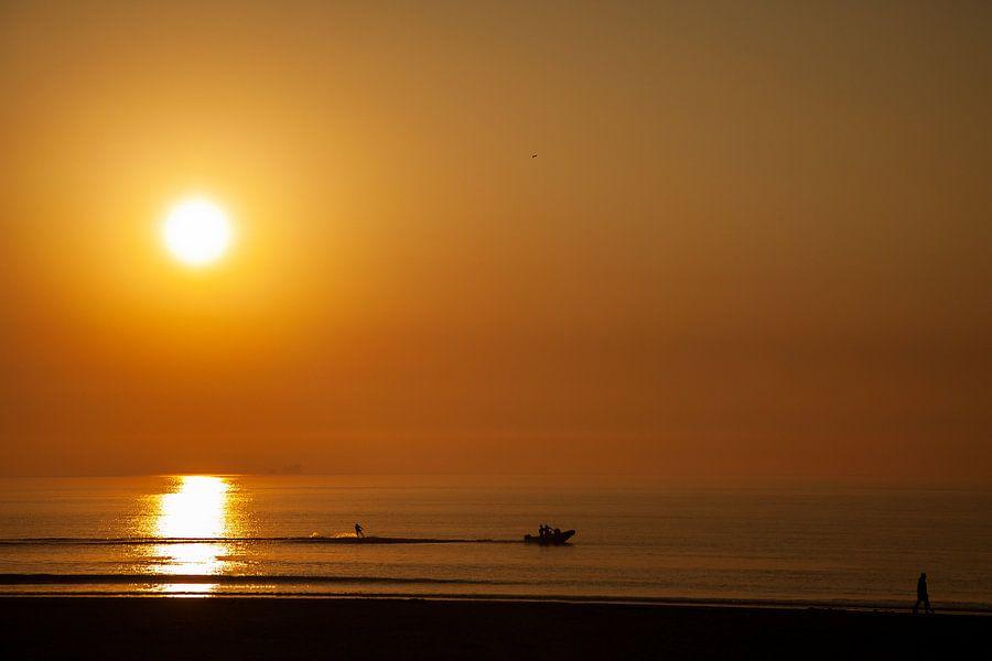 Zonsondergang met waterskiër van PAM fotostudio