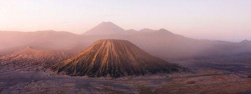Bromo Sunrise van Jaap van Lenthe