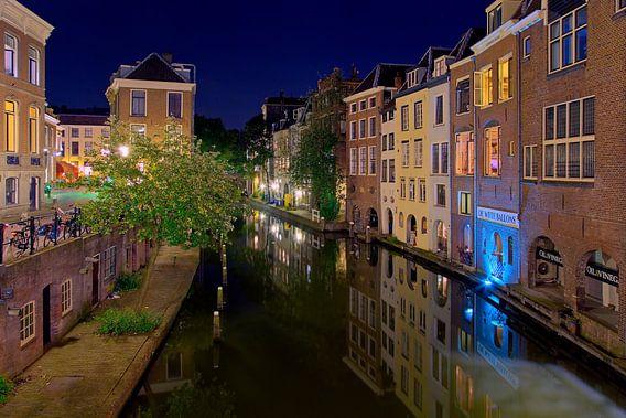 Nachtfoto Oudegracht Utrecht van Anton de Zeeuw