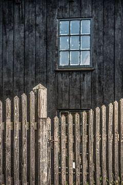 Geschlossener Zaun der Schiffswerft De Hoop in Workum von Harrie Muis