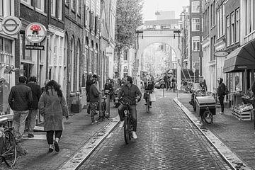 Coffeeshop in de Staalstraat Amsterdam van Peter Bartelings