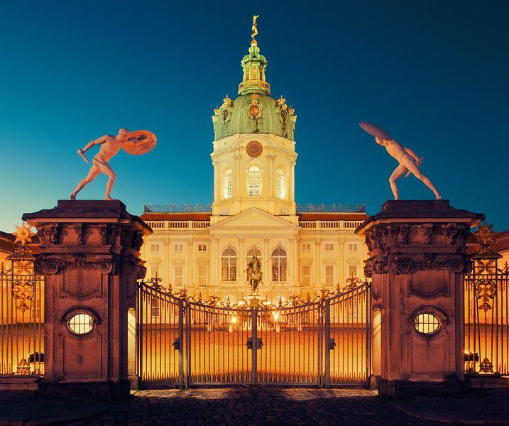 Berlin – Charlottenburg Palace at Night van Alexander Voss