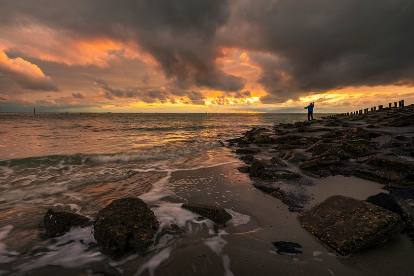 Gone Fishing van Thom Brouwer