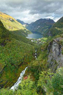 Geirangerfjord Norway in autumncolours sur