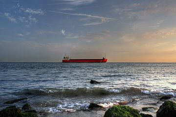 Schiff in der Nähe der Küste von MSP Canvas