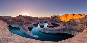 Zonsopkomst in Reflection Canyon, Lake Powell, Utah