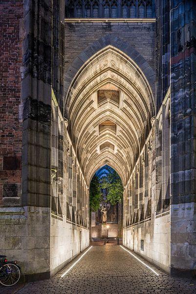 Die Unterführung des Dom Tower Utrecht. von John Verbruggen