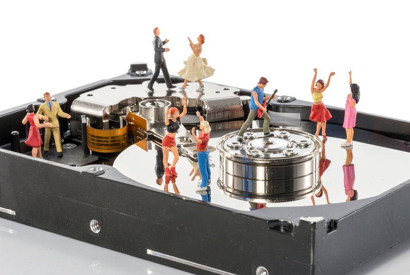dansfeest in een harddisk van Compuinfoto .