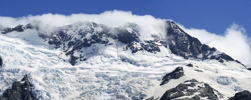 Snow covered mountains - Nieuw Zeeland van Jeroen van Deel