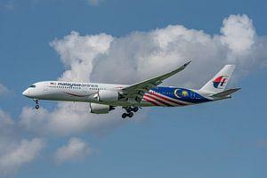 Mooie Airbus A-350-900 van Malaysia Airlines in de landing opLonden Heathrow Airport!