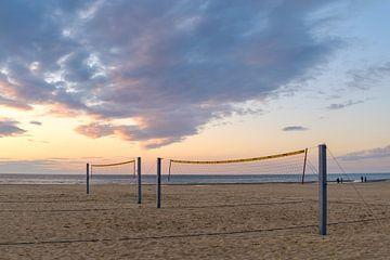 Volleybalveld op het strand van Johan Vanbockryck