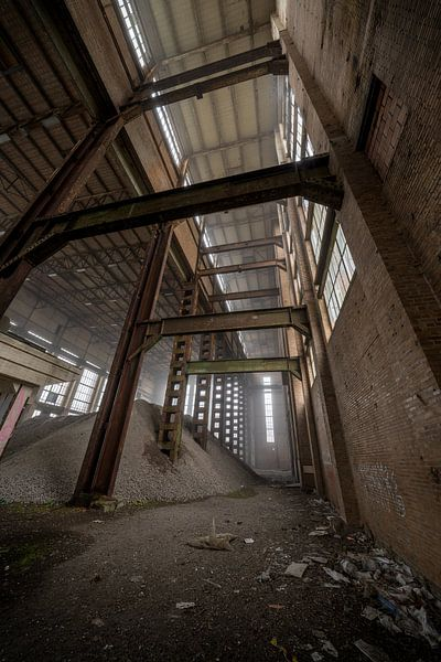 Verlaten energiecentrale in Belgie van Steven Dijkshoorn