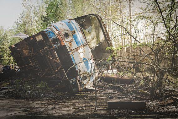 Bus op Zijkant van Perry Wiertz