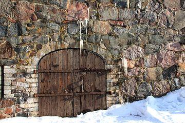 Old door with rocks von Hélena Schra