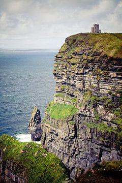 Kasteel bij de Cliffs of Moher sur Van Renselaar Fotografie