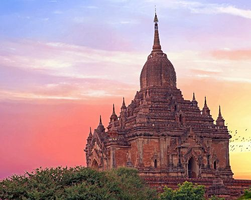 De Sulamani Temel in Bagan, Myanmar bij zonsondergang van