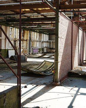 Verlassenes Fabrikgebäude II von Saskia Schotanus