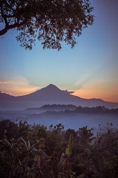 Zonsopgang op Bali van Floor Schreurs