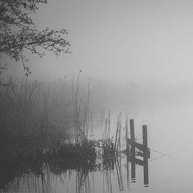 Mistige rivier sur Marco Bakker