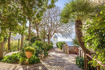 Zoon Marroig tuin bij Deià , Mallorca van Christian Müringer