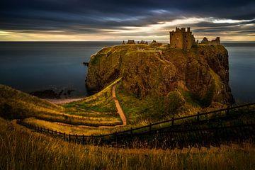 Dunnottar Castle van