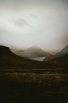 Mistige namiddag op de Faroe Islands van Moniek Kuipers