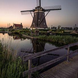 Windmühle mit untergehender Sonne von Remco van Adrichem