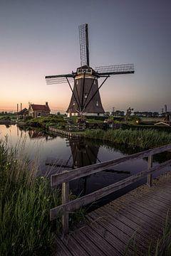 Windmühle mit untergehender Sonne