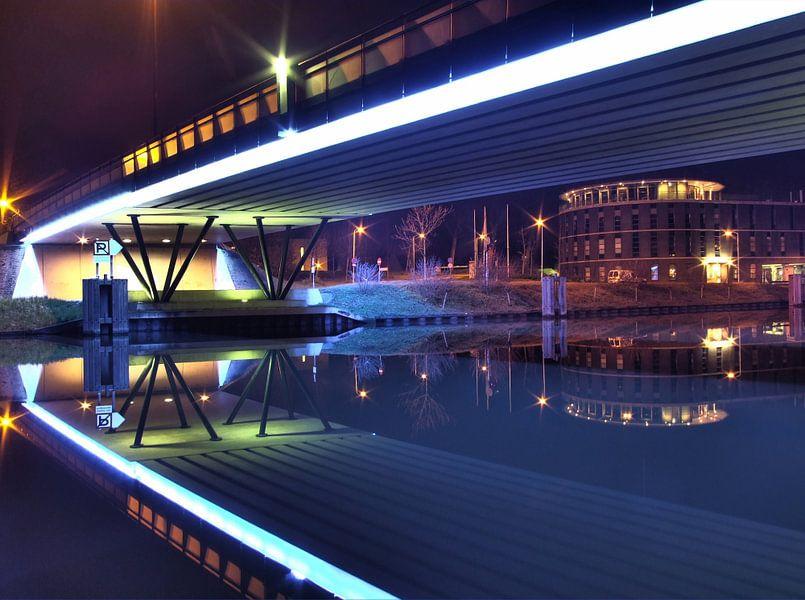 Lingebrug Gorinchem in de nacht